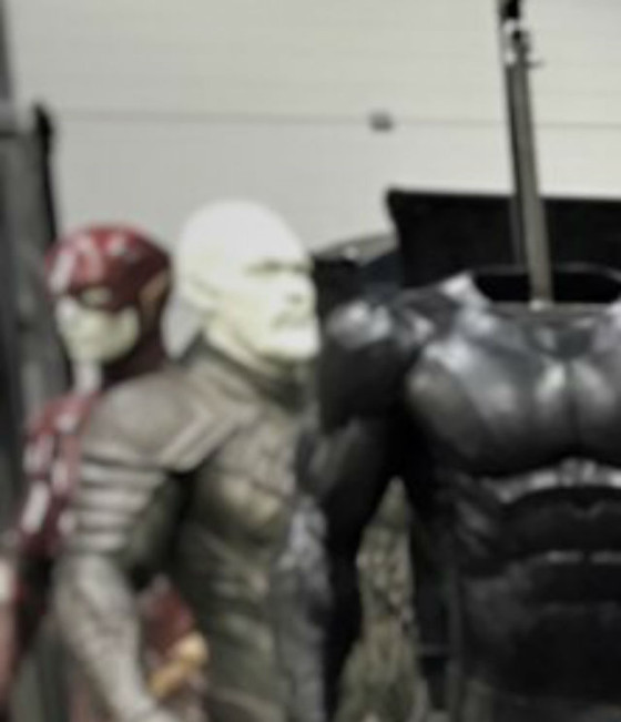 """Jason Momoa Zack Snyder Changed Aquaman Look: Zack Snyder Teased """"The Flash"""" Costume In Pic With Jason"""
