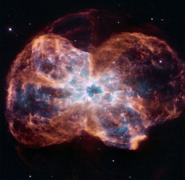 Hubble reveals NGC 2440