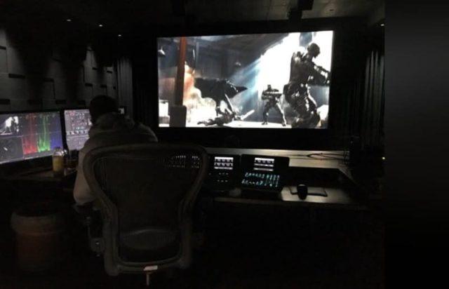zack snyder teases batman justice league fight scene