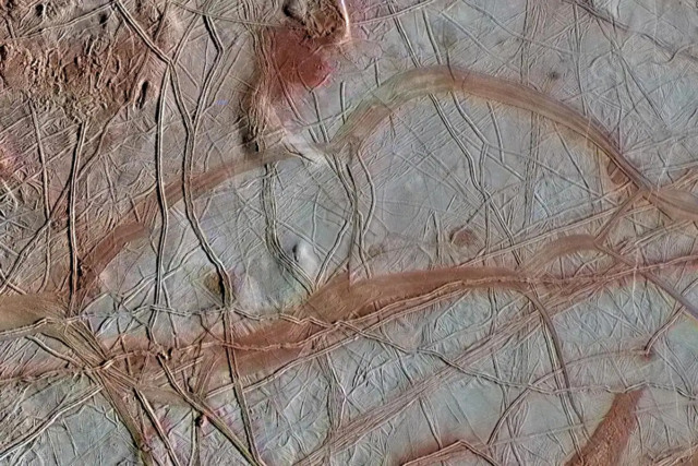 jupiter cracking europa