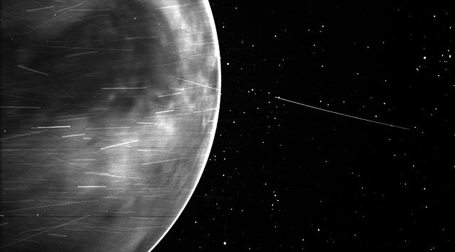 image venus nightglow on planets edge