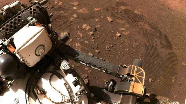 nasa mars rover creates oxygen on planet