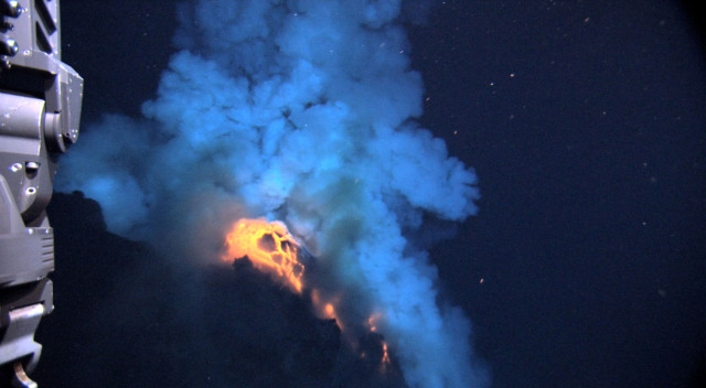underwater volcanoes generate enough energy to power entire us